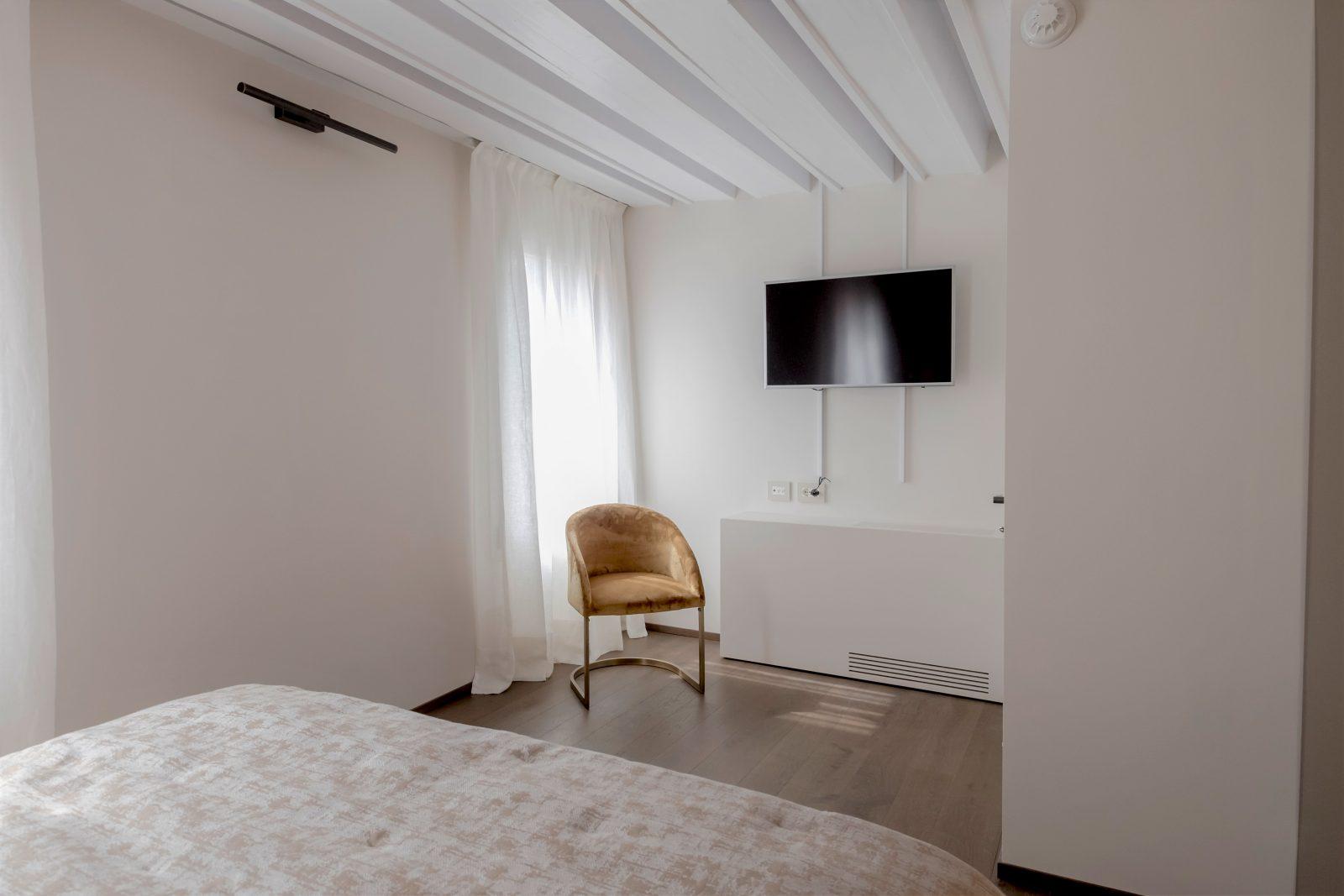 venezia-appartamento-rabarbaro-camera-letto-matrimoniale-palazzo-morosini