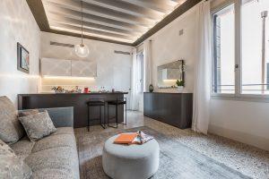 soggiorno-appartamento-rafano-venezia-palazzo-morosini-design-salotto